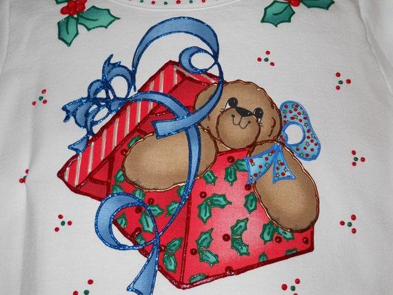 Christmas Sweatshirt Ladies Med Present Bear and Bows