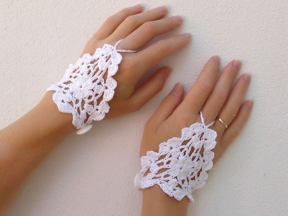 Weddind white Crochet Lace Gloves, Fingerless, Hand jewelry, Classic, Victorian, Sexy, Lolita, Yoga, Bracelet , Dance, Steampunk