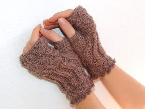 Mittens, fingerless gloves, arm warmers coffee with milk
