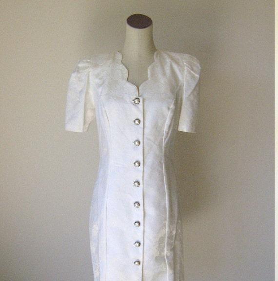 White Floral Scalloped Roberta Short Formal Dress