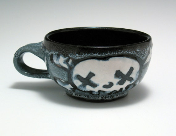 Latte Cup, Double Skull and Crossbones Spotted Mug 8 oz