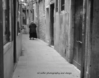Italy Photography, Venice Photography, Venice Black and White Photography, Venice Street Scene, Venice Wall Art, Venice Architecture