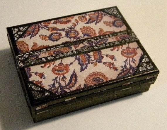 Vintage design gift box