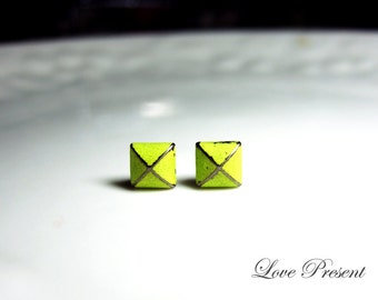 Rock N Roll and Punk  Pyramid earrings stud style - Color Vintage Yellow Patina Verdigris