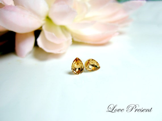 Petite Elegant TearDrop Swarovski Crystal earrings stud style - Color Light Colorado - Choose your post