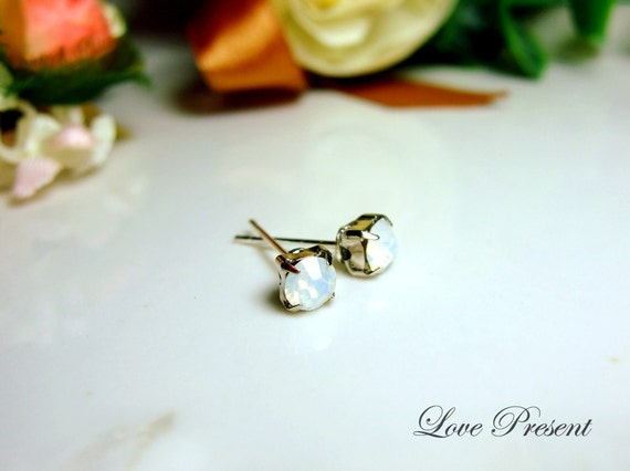 Bridal Classic Glamour Swarovski Crystal Mini Cartilage Earrings stud style - Color White Opal