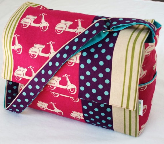 Diaper / Lge Messenger / Nappy Bag - The Pink Scooter with turquoise lining