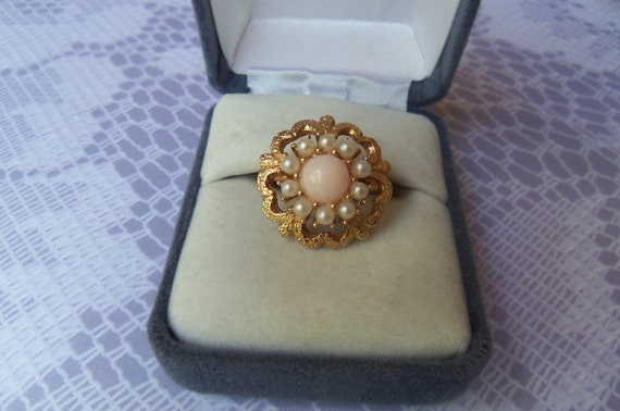 """Vintage Sarah Coventry 1970's """"Angel Pink"""" Faux Angel Skin Coral Stone Gold Tone Ring with Seed Pearls"""