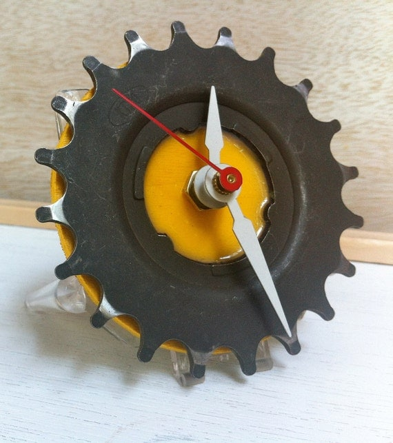 DESK BIKE CLOCK - reclaimed bike gear
