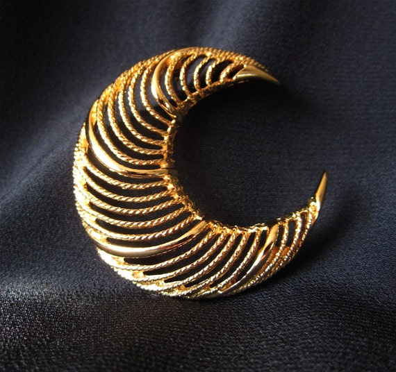 Vintage Gold Monet Signed Crescent Moon Brooch Women's Teens Jewelry 60's Mad Men Inspired