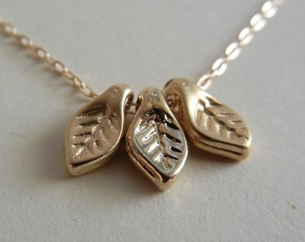 Three Leaves Necklace (Gold)