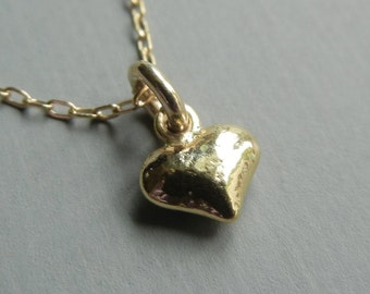 Tiny Puffed Heart Necklace (Gold)
