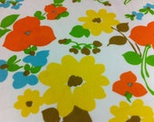 Vintage Sheeting Bold Flowers 70s