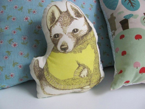 20 % OFF little pilow yellow dressed puppy