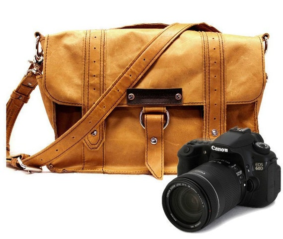 "14"" Voyager Camera Bag - Serengeti - Full Grain Leather - Medium  Padded Camera Insert Divider - Made in the U.S.A."