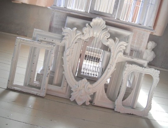 Sweet set of shabby chic frames cottage white  - Cottage country, beach house