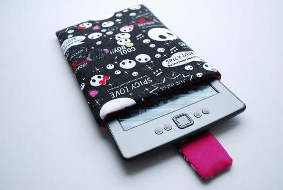 NEW Kindle 4 reader cover case/sleeve handmade with magnetic closure, lady skulls