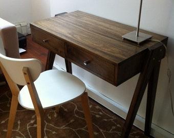 "Aula Desk 38"""
