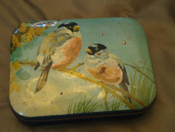 Wonderful, RARE Vintage 1930's BLUE BIRD/Harry Vincent English Confectionaries - Toffee Tin - Birds - Treasury Item
