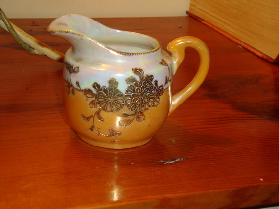 Exquisite Occupied Japan-Made LUSTREWARE, Hand Painted & Etched Vintage Cream PITCHER W/Handle