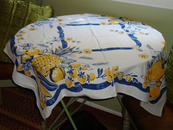 """Oh so Fifties: Darling Vintage TABLECLOTH - Berries, Grapes, Pineapples, Flowers - 39"""" x 38"""""""