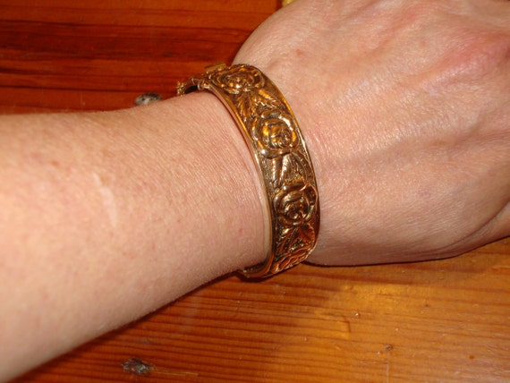 """Outstanding Wide GOLD PLATE Vintage Victorian """"ROSE"""" Bangle Bracelet - A Timeless Classic"""