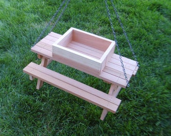 Picnic table bird feeder