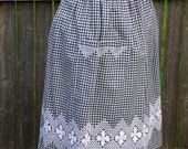 """Vintage Farmhouse """"Chicken Scratch"""" Black and White Gingham Apron, Homemade, Hand Stitched, Mint Condition"""