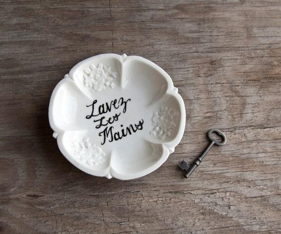 Lavez Les Mains French Painted Soap Dish
