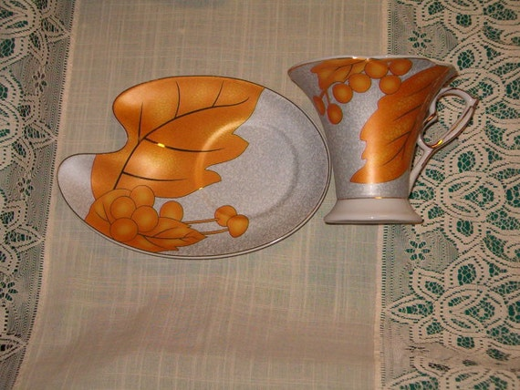 Rare Vintage 10 piece Tea Set and Large Saucer Plate by Van Trading Collectible