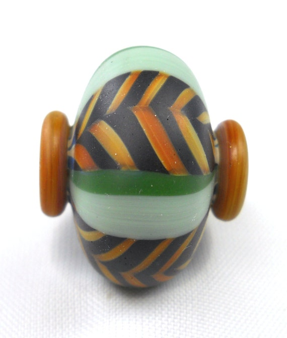 California Trade Beads - Hollow blown squat bead with button ends