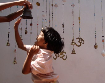 5 mobile  glassbeads installation ..... Strongbells around the world ..........