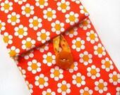 Kindle and Nook Case w/Pocket: Orange Daises