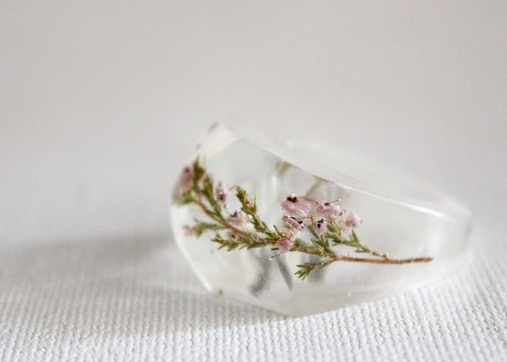 size 5 pale pink heather flower multifaceted eco resin ring