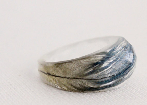 Blue macaw feather eco resin multifaceted ring