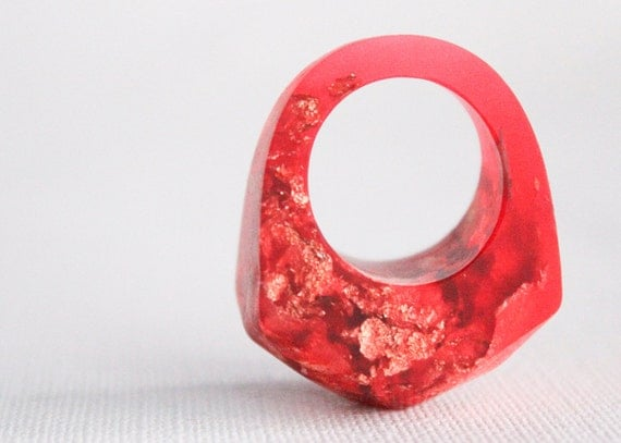 size 6.5 red eco resin faceted ring with copper leaf