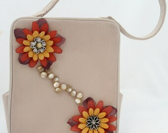Small Beige Purse Embellished with Flowers and Buttons
