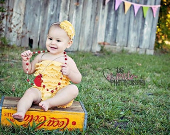 LEMON LOVE--Yellow Curly Nagorie Feather Pad--Elegant Photo Prop