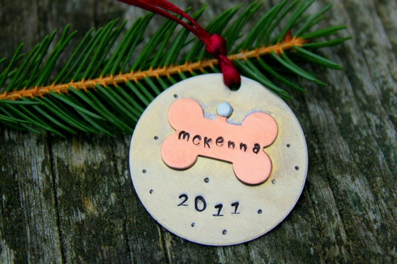 Pet Ornament Personalized Christmas Ornament , Gift For the Pet Lovers, Christmas Decoration, Christmas, Dog Ornament, Custom Dog Ornament