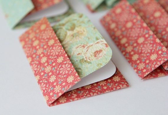 Mini Cards n Envelopes - Set of 8 - Romantic Red Flowers