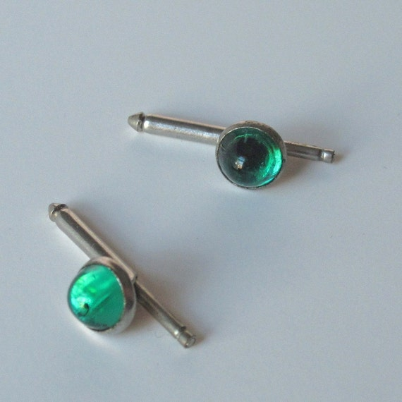 Vintage cuff links, silver and emerald green glass cabochons