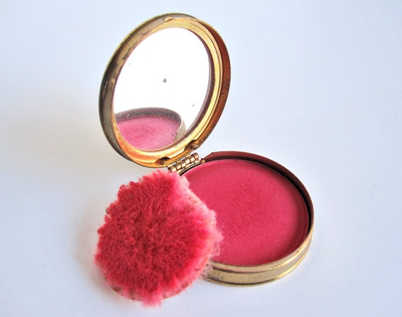 Vintage Dorothy Perkins rouge in gold-tone compact case with rose