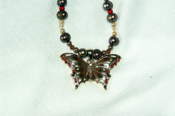 Gold Butterfly Pendant Neclace
