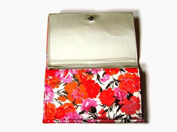 Vibrant 1960s Vintage Floral Clutch in Bright Pink and Orange