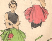 1950s Apron Sewing Pattern - Scallop-Edged Floral Applique Hostess Half Apron One Size