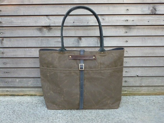 Waxed canvas carry all with waxed leather handles  COLLECTION UNISEX