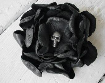 SKULL BROOCH Leather Flower Skull Boutonniere Black Leather Flower Brooch Black leather flower Goth Wedding Steampunk Wedding Black Wedding