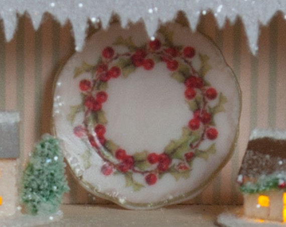 Miniature Holly Dishes Kit
