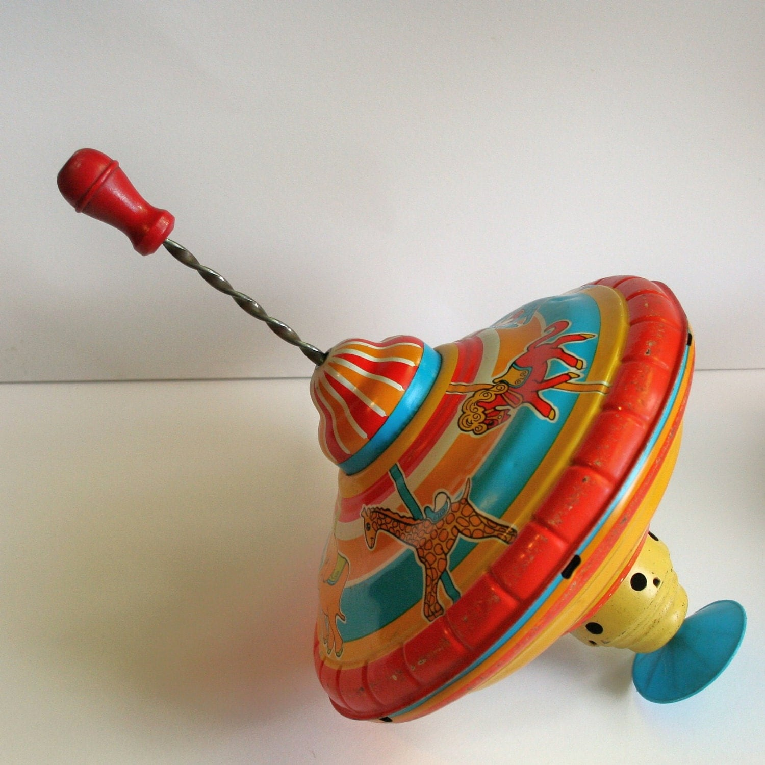 Toy Spinning Top : Vintage spinning top carousel design