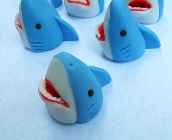 Shark Cake Topper Tutorial